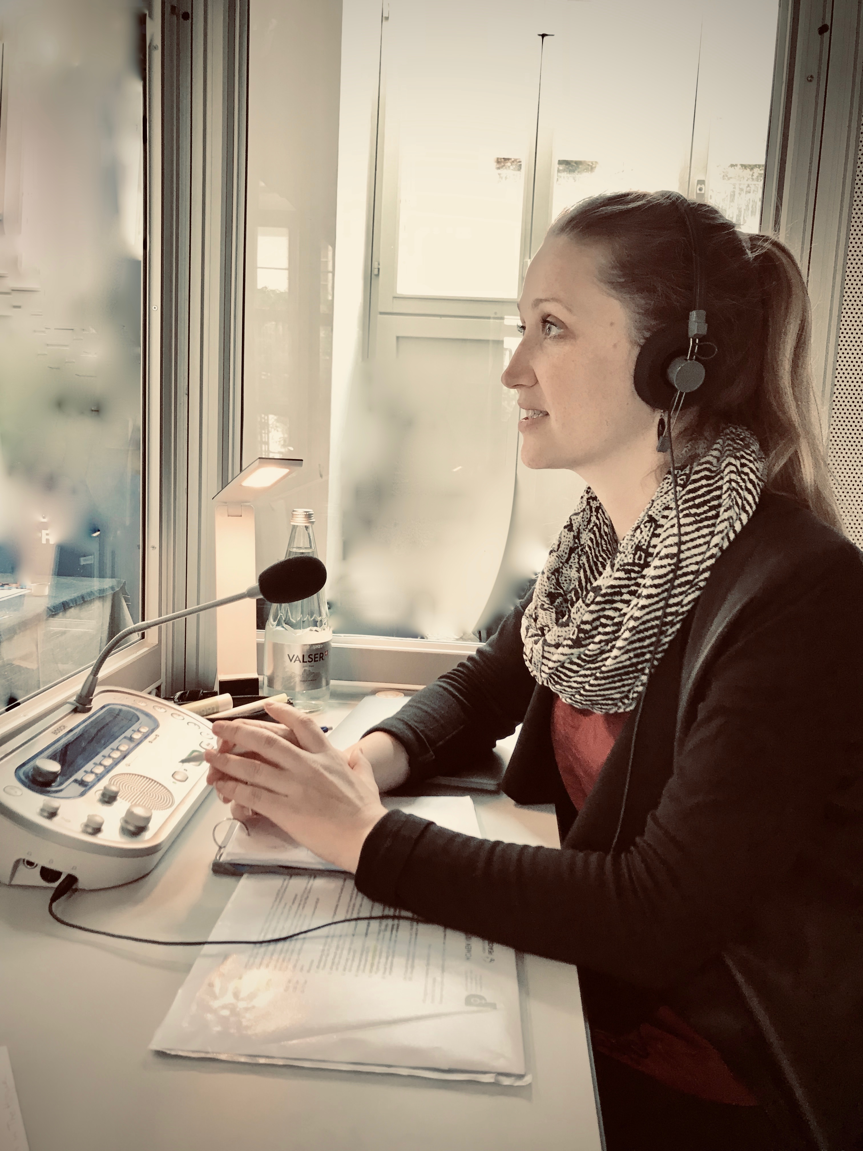 Your conference interpreter Mirjam Gadient - working at a conference